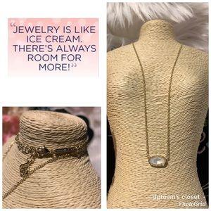 Kendra Scott necklace Elisa gold pearl color euc